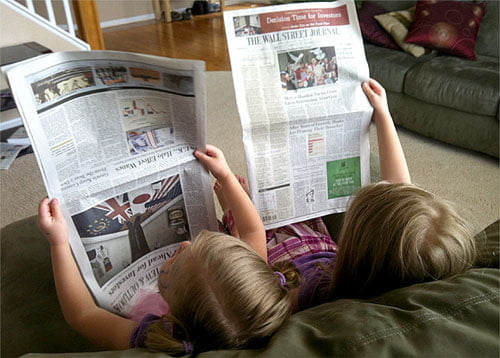 girls-reading-wsj