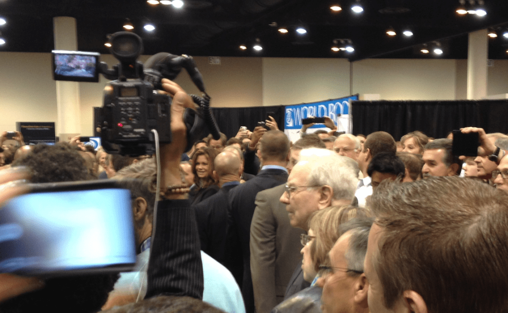 Buffett wandering the exhibition hall